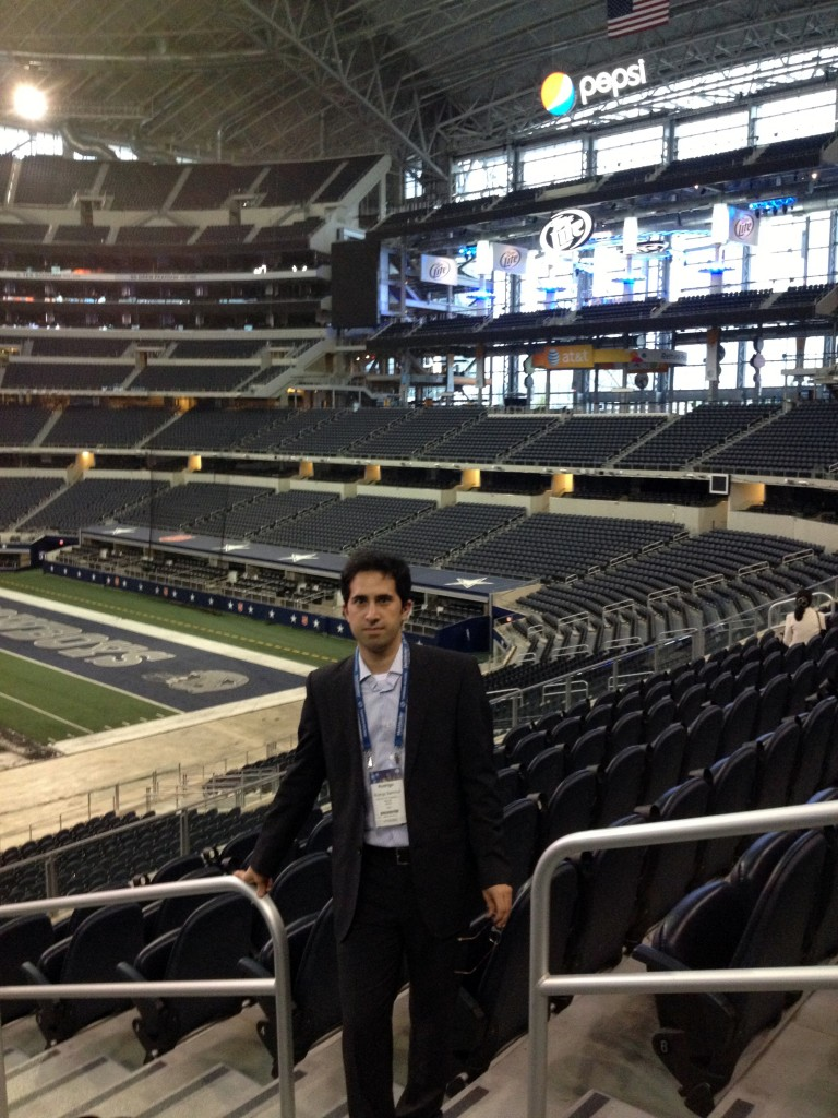 Rodrigo Sammut en el estadio de los Cowboys de Dallas