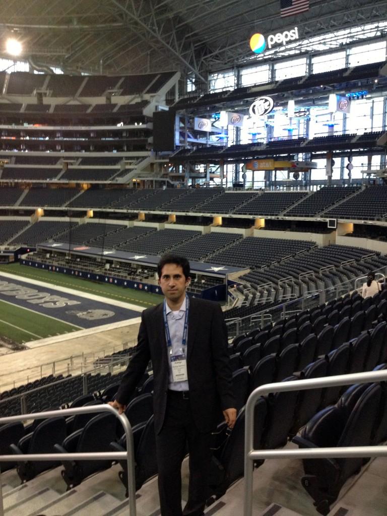 Rodrigo Sammut en el estadio de los Cowboys de Dallas