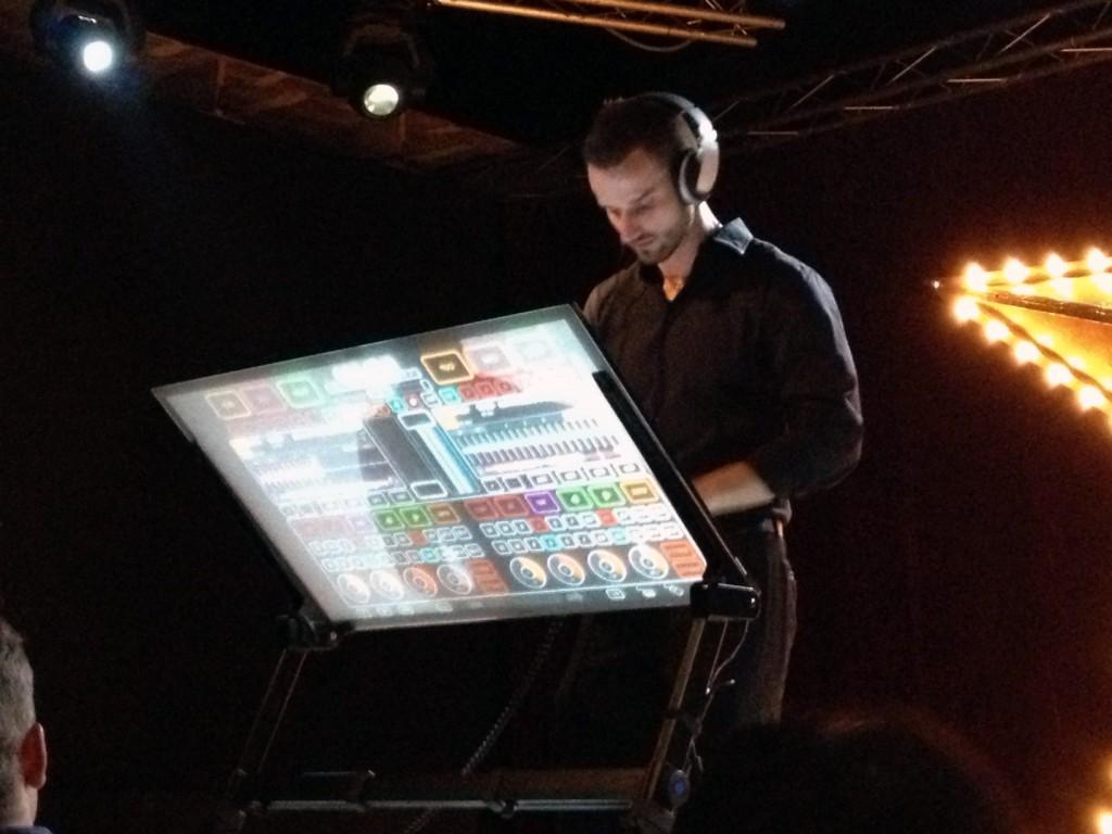Mesa de DJ en el Grand Final  INTA 2013